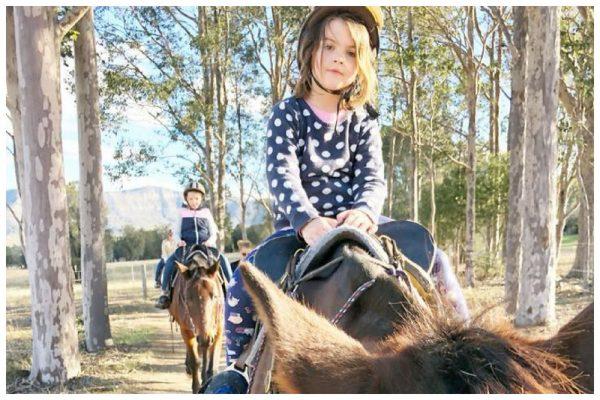 kids horseriding